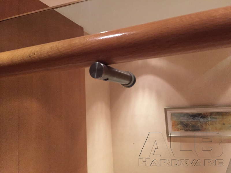 how to make wooden handrail brackets