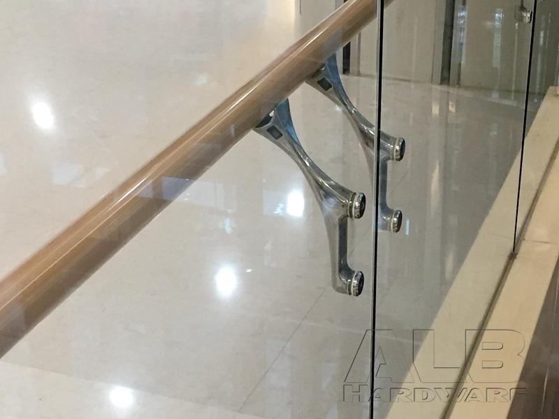 stainless-steel-glass-balustrade-bracket-fs-40-6637